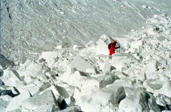 ... prašan se rázem změní v tvrdý sněhový beton